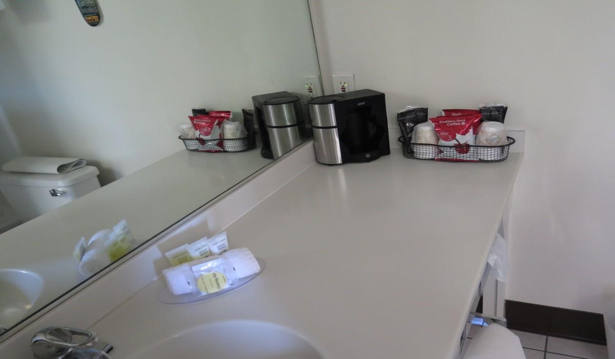 Bonanza Inn Guestrooms - Sink vanity at Bonanza Inn YC