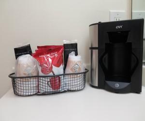 Bonanza Inn Guestrooms - Coffee makers in room
