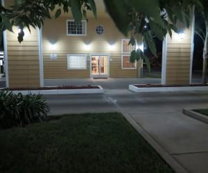 Bonanza Inn Yuba City at Night - Lobby entrance at Bonanza Inn
